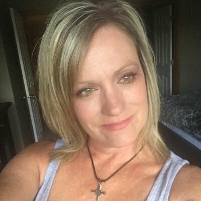 Adult female profile swinger