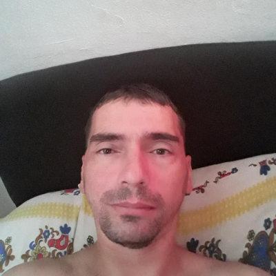 Rejtett profil