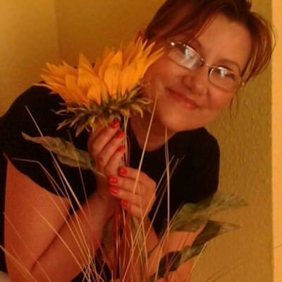 Dziesitki wysokich kobiet w Swarzdz na randk whineymomma.com